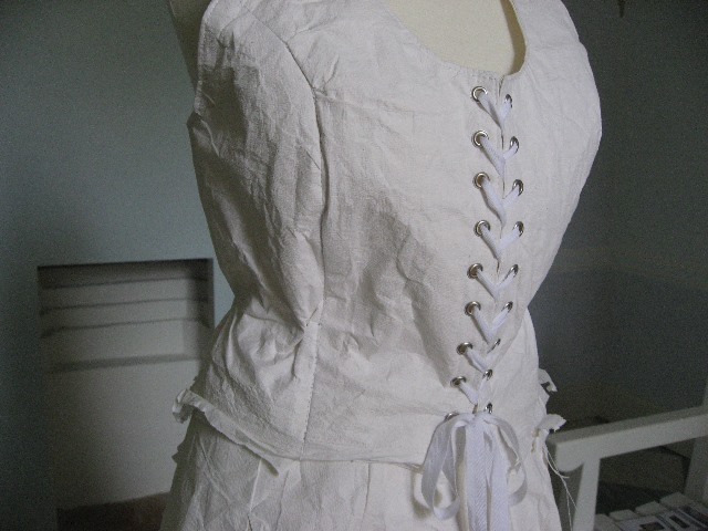 2013.Disposable and eco friendly wedding dress - Katell Gelebart